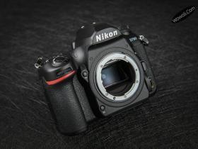 尼康D780相机机身外观
