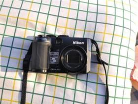 尼康p6000