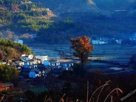 皖南古村落——安徽塔川古镇秋色图